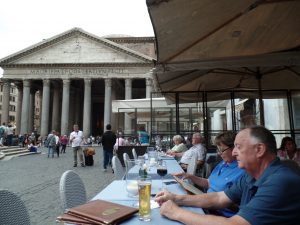 Dining on the Piazza della Rotonda in front of the Pantheon